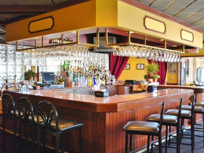 Restaurant-Bar w/ Liquor License