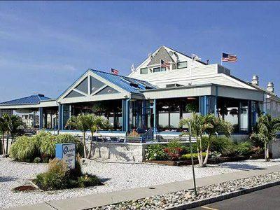 Rooneys Oceanfront Restaurant