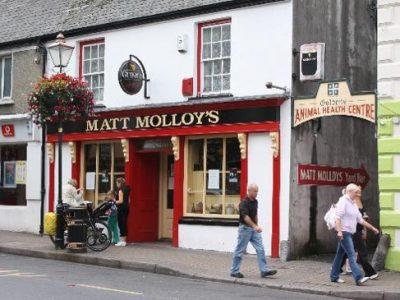 Vibrant Irish Pub